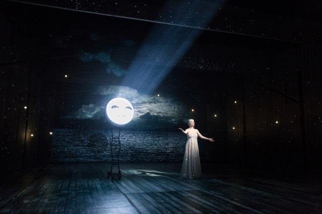 Árie Luny z Podivuhodných cest Julese Verna v Národním divadle.